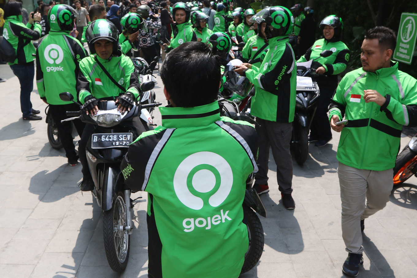 gojek-closes-in-on-deal-to-buy-5-of-blue-bird