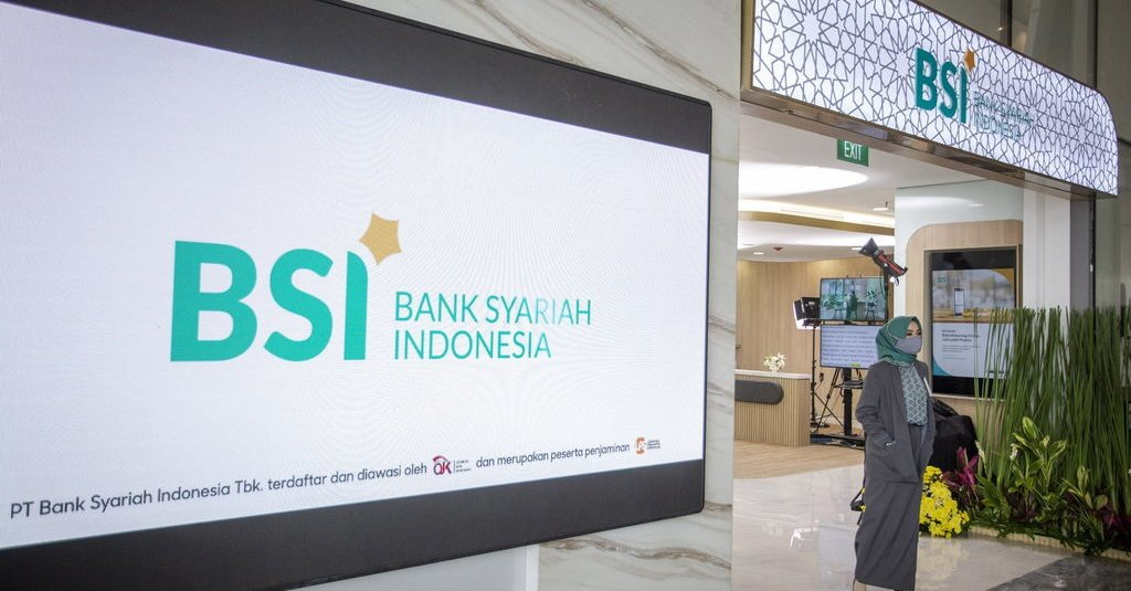 minister-qoumas-lauds-launch-of-indonesia-sharia-bank